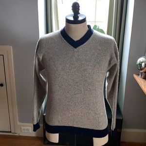Structure 100% wool sweater
